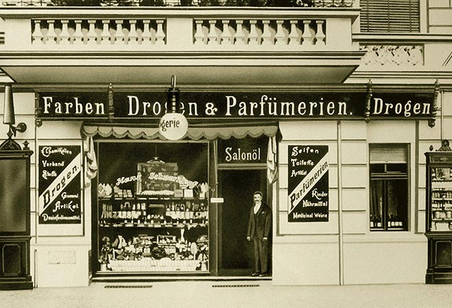 The small drugstore of Hans Schwarzkopf in Berlin.